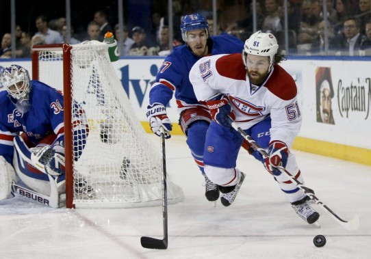 David Desharnais gravite autour du filet adverse. (Photo AP)