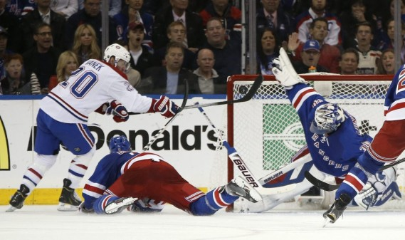 Henrik Lundqvist a été déterminant dans la victoire des Rangers. (Photo AP)