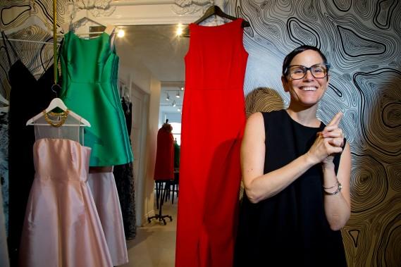 Passionnée de mode, amoureuse des robes et bourreau de travail, Julie Pesant porte à bout de bras Édition de robes depuis presque deux ans. (Photo Alain Roberge, La Presse)
