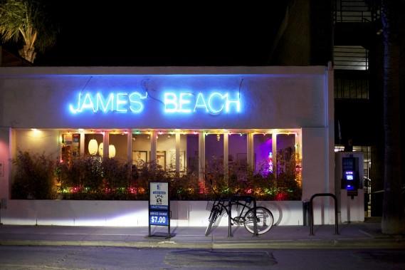 Le restaurant-bar James' Beach à Venice Beach (Photo Sarah Mongeau-Birkett, La Presse)