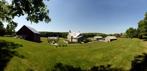 Il y avait au départ six bâtiments sur la terre agricole d'Old Stone Farm. Il y en a aujourd'hui plus de 20! (Photo Bernard Brault, La Presse)