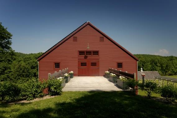 La grange où se trouvent les chambres date des années 1780. Elle a été rachetée à une autre ferme, démontée puis assemblée à son empacement actuel. (Photo Bernard Brault, La Presse)