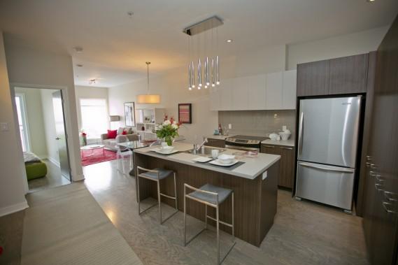 La cuisine comporte beaucoup d'espace de rangement. (Photo David Boily, La Presse)