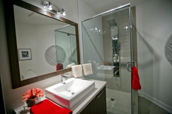 Certains luxes, comme le système multijet dans la douche, sont inclus. (Photo David Boily, La Presse)