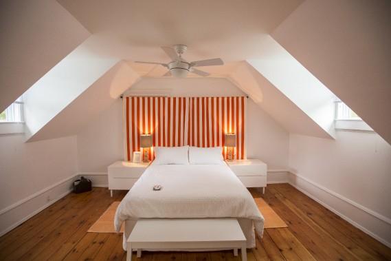Une des deux chambres (la Queen) du charmant Edmund B&B. (PHOTO OLIVIER PONTBRIAND, LA PRESSE)