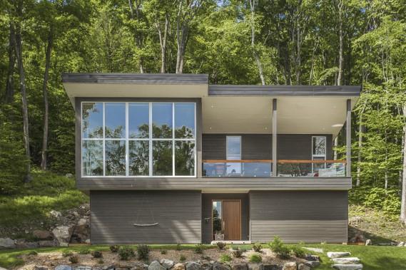 bromont communier avec la nature pactiser avec la tranquillit pierre desch nes maisons de. Black Bedroom Furniture Sets. Home Design Ideas