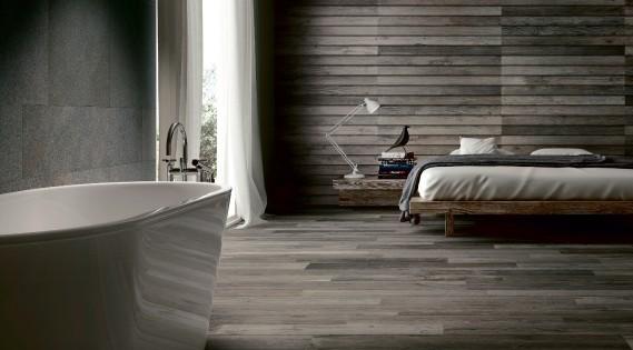 Le plancher est revêtu de céramique Woodside, couleur Maple, en vente chez Ramacieri Soligo. Cette porcelaine italienne se prête bien à l'unification d'un espace intérieur avec une surface extérieure. Entre 12 $ et 36 $ le pied carré, selon la couleur. (Photo fournie par Ramacieri Soligo.)