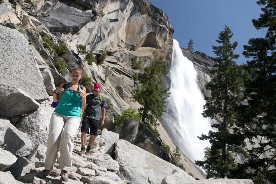 Indémodable, indispensable, incontournable: la randonnée pédestre vous donnera accès aux moindres secrets du parc. Sur notre photo, la cascade Nevada, qui ne peut s'admirer qu'après un effort soutenu des mollets. (Photo Sylvain Sarrazin, La Presse)