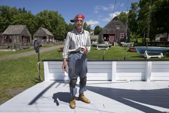 Lucien Rouleau, ancien pêcheur d'anguilles, s'occupe de l'entretien du parc maritime du Saint-Laurent. (Photo Robert Skinner, La Presse)