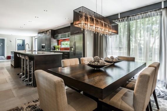 Saint lambert une vraie maison familiale pierre for Decoration fenetre salle a manger
