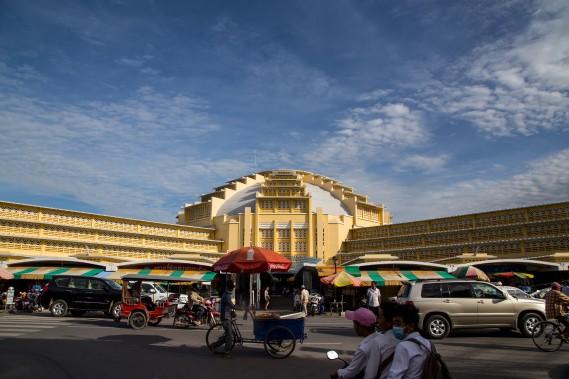 L'objectif d'une visite au marché central: parcourir sans trop se perdre les allées de cet imposant bâtiment colonial de style Art déco. (PHOTO KIP RADT, COLLABORATION SPÉCIALE)