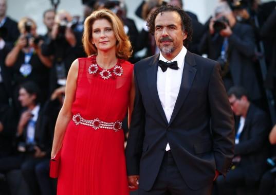 Jour 1 - Mercredi 27 août : Le réalisateur Alejandro Gonzalez Inarritu en compagnie de sa femme Maria Eladia Hagerman. (Photo: Reuters)