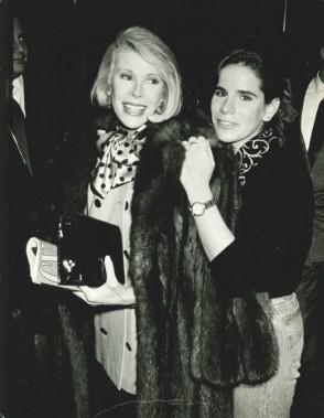 Joan Rivers et sa fille. Photo tiree de son compte Facebook. ()