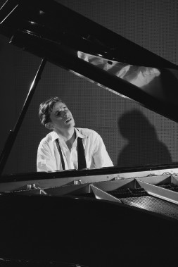 Glenn Gould en 1956. (Photo: fournie par Ronald Desmarais)