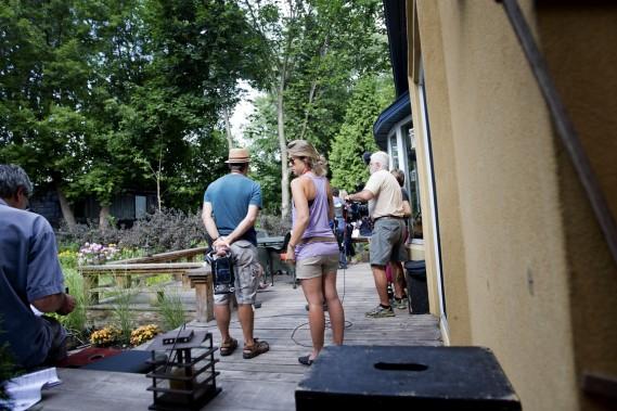 L'équipe en plein tournage d'<em>Un sur 2</em>, en août dernier. (Photo Marco Campanozzi, La Presse)