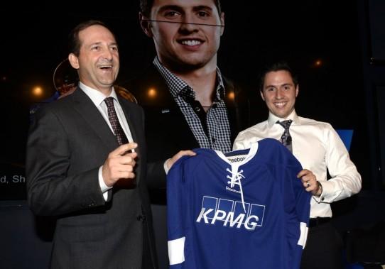 Alexandre Bilodeau et Guy Langlois, associé directeur pour le Québec chez KPMG. (Photo Bernard Brault, La Presse)