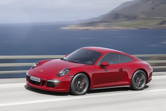 Porsche 911 Carrera GTS - À partir de 130 300 $ - Porsche donne plus de puissance et plus de dynamisme à la seconde génération. Quatre modèles seront proposés : un coupé et un cabriolet, avec la propulsion ou la traction intégrale. (Photo Porsche)