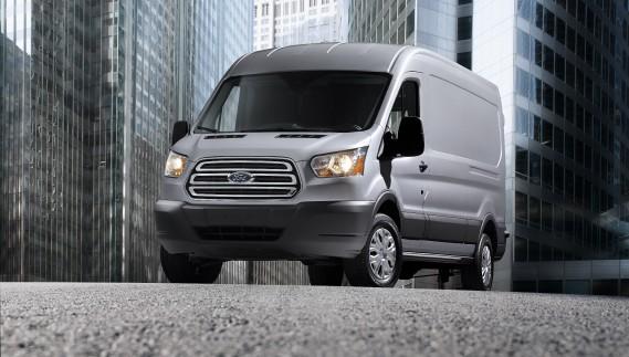 Ford Transit - À partir de 32 799 $ - Après plus de 50 ans de loyaux services, Ford a retiré l'Econoline (ou Série E) du marché. Maintenant, un modèle tiré du marché européen le remplace. (Photo Ford)