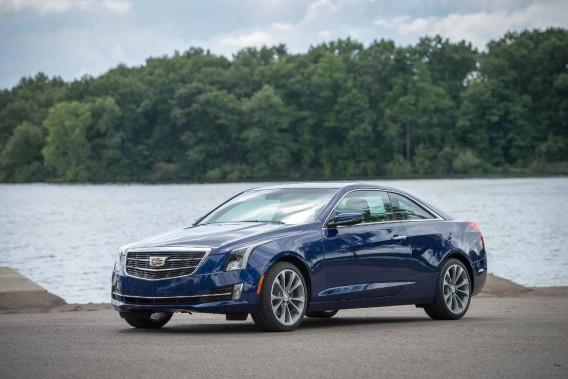 Cadillac ATS coupé - À partir de 41 240 $ - Après la berline, Cadillac offre une version coupé deux portes de sa ATS. Deux moteurs sont proposés: un quatre-cylindres 2,0 litres turbo et un V6 de 3,6 l. (Photo Cadillac)