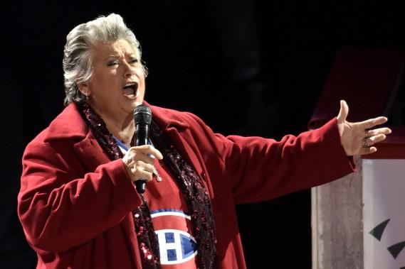 Ginette Reno a chanté l'hymne national du Canada. (Photo Bernard Brault, La Presse)
