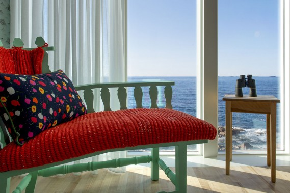 Plusieurs des meubles et accessoires conçus pour le Fogo Island Inn, un hôtel situé dans l'île Fogo, au large de Terre-Neuve, au Canada, sont dorénavant offerts au magasin torontois Klaus et en ligne. (Photo fournie par Fogo Island Inn)
