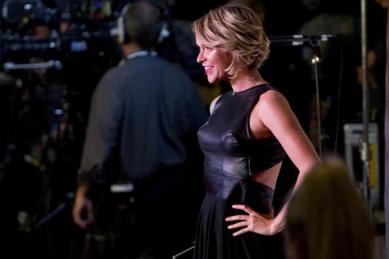 La chanteuse Brigitte Boisjoli a opté pour une création québécoise d'Anomal Couture, pile dans la tendance du moment avec un haut en cuir noir et une jupe asymétrique. (La Presse, Olivier Jean)