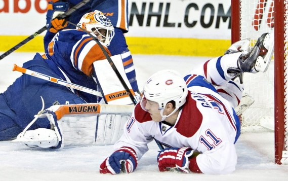 Brendan Gallagher entre en collision avec Ben Scrivens. (PC)