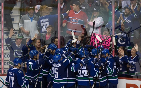 Le but de Daniel Sedin a conclu le match en prolongation. Victoire des Canucks. (Photo DARRYL DYCK, PC)