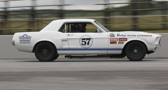 Mustang 1968; V8 de 302 pouces cubes (5,0 litres); 370 chevaux   (Photo fournie par Expérience de Course Vintage)