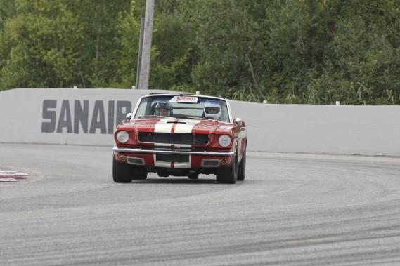 Mustang 1964 décapotable; V8 de 302 pouces cubes (5,0 litres); 375 chevaux.    (Photo fournie par Expérience de Course Vintage)