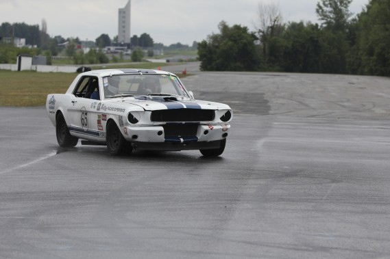 Mustang 1964 ; V8 de 289 pouces cubes (4,7 litres); 450 chevaux.    (Photo fournie par Expérience de Course Vintage)