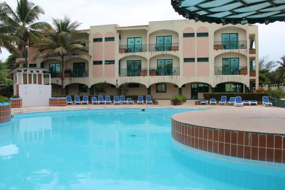 La seule piscine du Islazul Los Delfines. (PHOTO MARIE-ÈVE MORASSE, LA PRESSE)