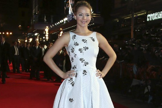 Jennifer Lawrence à la première mondiale du film <em>Hunger Games: Mockingjay - Part 1</em> le dimanche 9 novembre 2014 à Londres. (Photo: AP)