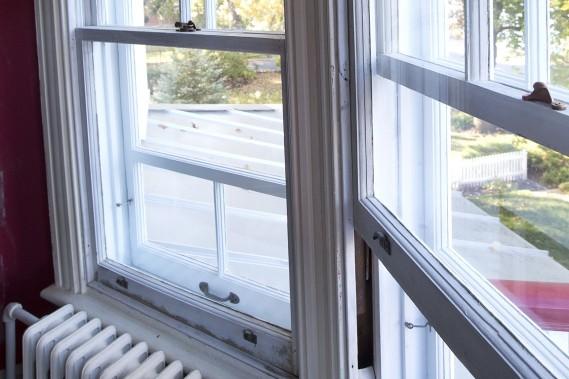 Le mécanisme des fenêtres à guillautine a dû être complètement restauré. (Photo Robert Skinner, La Presse)