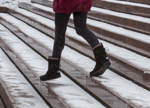 Première chute de neige à Québec. Les résidents ont dû se dépêcher à retrouver leurs bottes au fond du garde-robe. (Le Soleil, Caroline Grégoire)