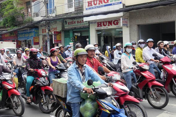 Avec deux millions de motocyclettes, Hô-Chi-Minh-Ville est assourdissante. (Photo Andrée Lebel, La Presse)