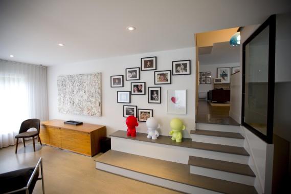 Le «split-level» bâti en 1961 était typique de son époque: quatre demi-niveaux, quatre chambres à l'étage, une grande cuisine avec dînette, la salle à manger ouverte sur le salon, une salle familiale et un sous-sol «fini». (PHOTO ALAIN ROBERGE, LA PRESSE)