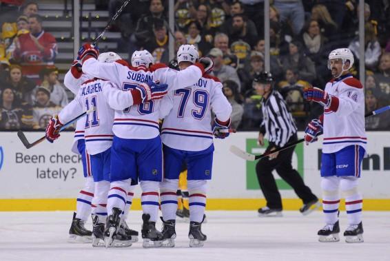 Des joueurs du Canadien se réjouissent du but marqué en première période. (Photo Bob DeChiara, USA TODAY)