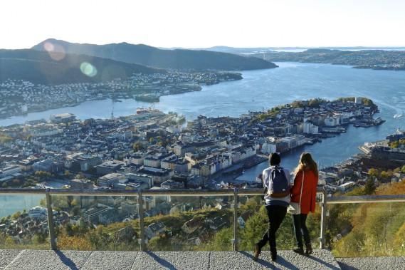 Situé au bord de l'eau et entouré de montagnes, Bergen est la destination idéale pour les amoureux de la nature. (Photo Jean-Christophe Laurence, La Presse)