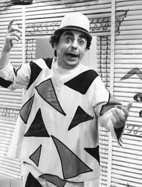 Paul Buissonneau interprétant son célèbre personnage de Picolo en 1976. (Archives Le Soleil)