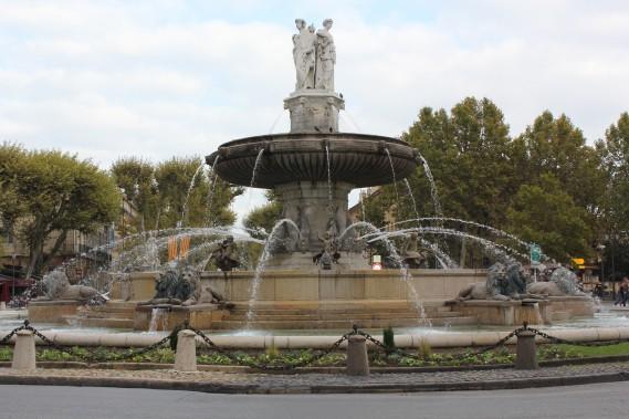 La fontaine de la place de la Rotonde est l'une des plus belles des nombreuses que compte Aix. (PHOTO VÉRONIQUE BEAUDET, COLLABORATION SPÉCIALE)