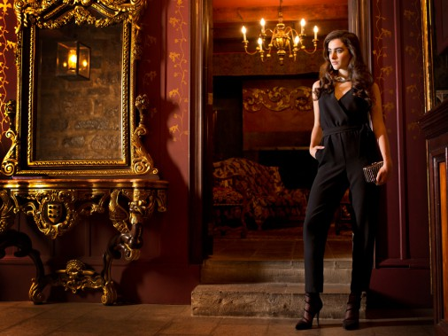 Ensemble une-pièce, chez Le Château, 129,95$. Chaussures, Call It Spring, 49,99$. (Photo Martin Chamberland, La Presse)