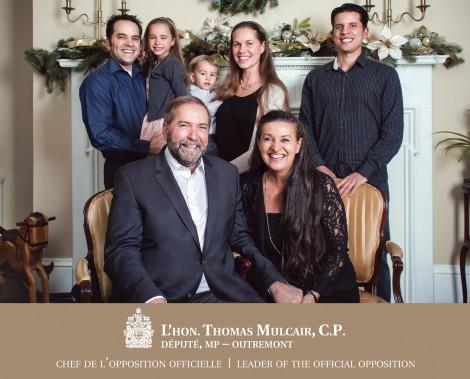 Thomas Mulcair avec sa femme Catherien, ses enfants et ses petits-enfants. (La Presse Canadienne)