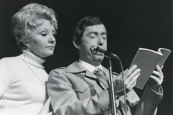 Mme Lapointe et Gilles Latulippe en1977 (PHOTO ROBERT MAILLOUX, ARCHIVES LA PRESSE)