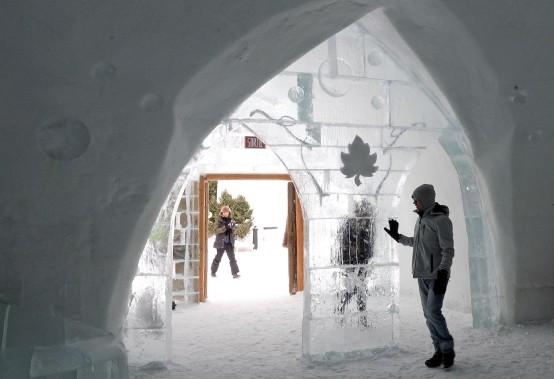 L'entrée principale, menant au grand hall de l'hôtel (Le Soleil, Erick Labbé)