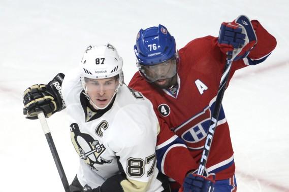 P.K. Subban veut de compliquer le travail de Sidney Crosby. (Photo Bernard Brault, La Presse)