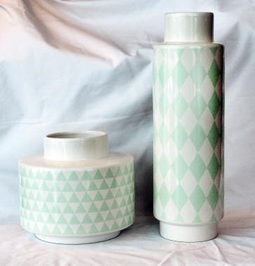 Vases en céramique, 75 $ chacun chez Balivernes Boutique(1595, boul. Hamel, Québec; 418 527-1515 balivernesboutique.com) (Le Soleil, Jean-Marie Villeneuve)