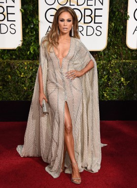 Jennifer Lopez en Zuhair Murad (Photo Jordan Strauss, AP)