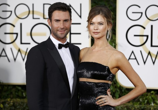 Le chanteur Adam Levine et sa femme Behati Prinsloo (Photo MARIO ANZUONI, Reuters)