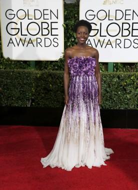 Lupita Nyong'o porte Giambattista Valli (Photo MARIO ANZUONI, Reuters)